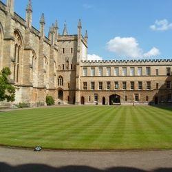 Видове стипендии в британски университети